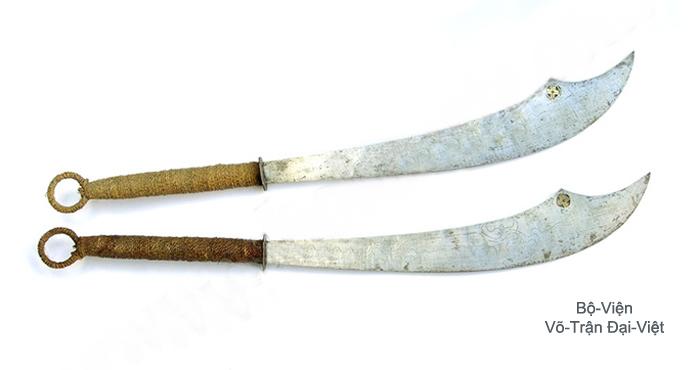 Bình-Định Sa-Long-Cương Võ-Trận Đại-Việt - Khảo-Luận - Binh-Khí Cổ-Truyền